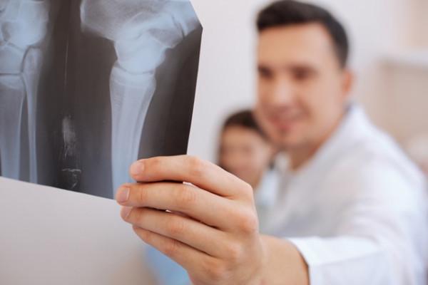 cum să tratezi articulația încheieturii glucozamină și condroitină în tratamentul osteoartrozei