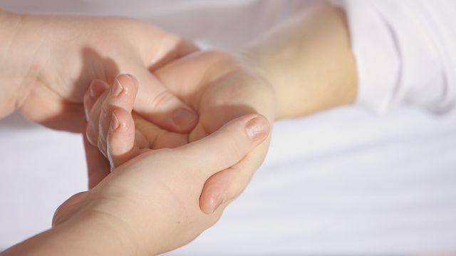 Articulații dureroase ale mâinii stângi Durere în articulația metatarsofangianală a degetului mare