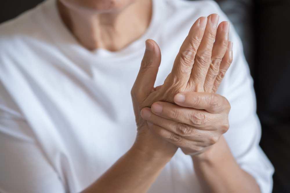 artrita pe mâinile unguentului ligamentele gleznei doare