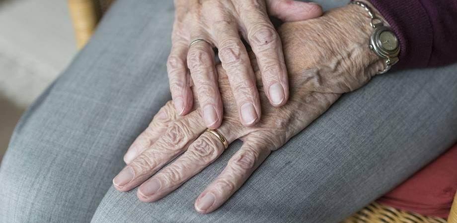 care este diferența dintre artrita și tratamentul artrozei dureri de genunchi ce tratament