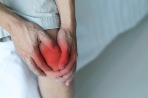 durere severă a articulației genunchiului și a mâinii