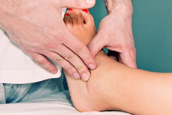 medicamente steroizi pentru tratamentul articulațiilor pictor de dureri articulare