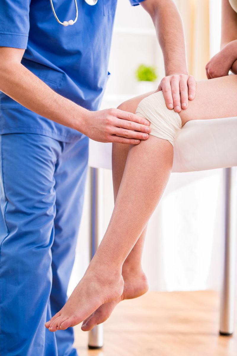 durere și faceți clic pe genunchi cele mai bune stațiuni în tratamentul artrozei